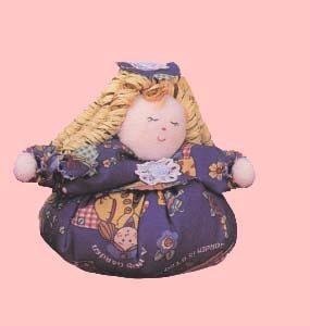 Cartamodello bambolina con capelli di rafia